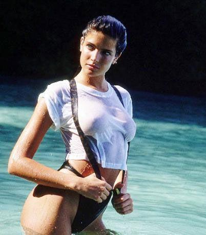 Stephanie Seymour (1988)